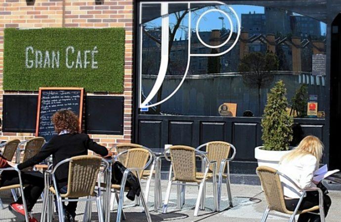 Coslada recuerda a los hosteleros que las licencias para terrazas se renuevan de forma automática