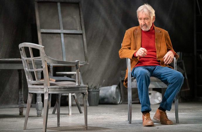 """José Sacristán se sube este domingo a las tablas del Teatro Municipal José María Rodero de Torrejón con """"Señora de rojo sobre fondo gris"""""""