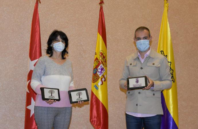 Torrejón dona tablets a la Asociación de Familias Afectadas por Daño Cerebral Sobrevenido