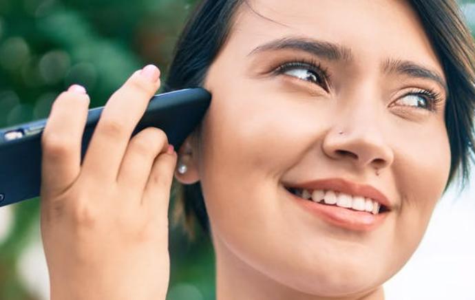 ¿Son los audios de WhatsApp una buena opción comunicativa?  /  Por Cristina Vela Delfa