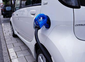 Los vehículos eléctricos con cero emisiones estarán exentos del pago de la zona azul en Guadalajara