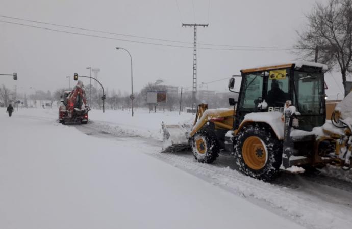 Temporal de Nieve: Alerta Roja en Alcalá. Accesos complicados y diversión en la nieve
