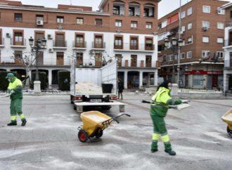 Torrejón pone a disposición de los vecinos 7.000 palas para que colaboren en la retirada de nieve de calles y aceras