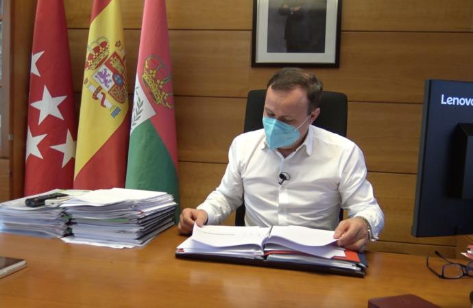 El alcalde de Coslada cesa a dos concejalas de Podemos de su Gobierno por no apoyar los presupuestos