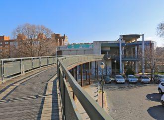 Coslada y Adif firman el convenio que posibilita la remodelación de la pasarela de la estación de Cercanías y su cesión a la ciudad