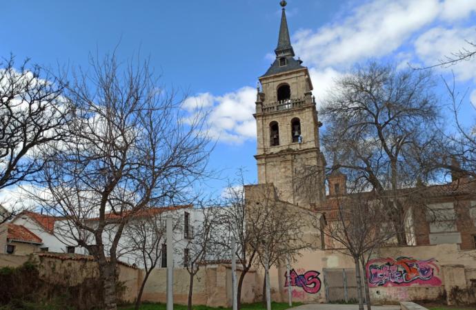 El PP de Alcalá lamenta «la dejadez absoluta y el abandono» del Jardín de las Palabras