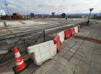 Las obras del paso de peatones entre la avenida de la Industria y la CM-1008 de Azuqueca ya han comenzado