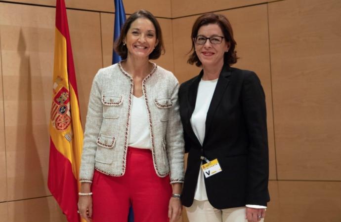 La ministra Reyes Maroto visita Alcalá y mantiene una reunión con los alcaldes del Corredor del Henares