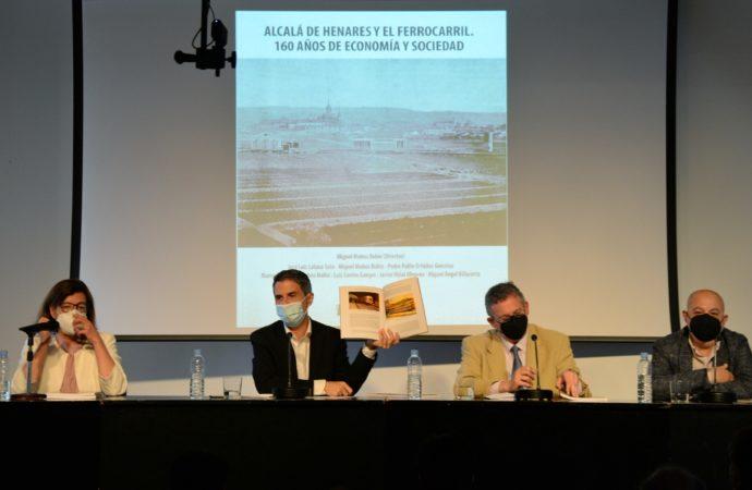 """Presentan el libro """"160 años del Ferrocarril en Alcalá de Henares"""""""