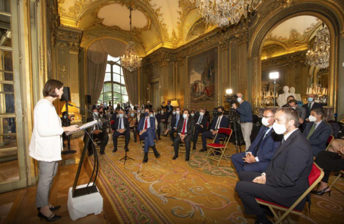 Los mayores turoperadores de Francia se reúnen con las Ciudades Patrimonio de España y Paradores en un acto en París