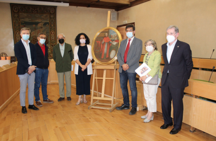 La Sociedad de Condueños presenta un cuadro del Cardenal Cisneros en Alcalá