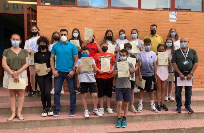 Coslada entrega diplomas de agradecimiento a los estudiantes que participaron en el 'Maratón de Donación de Sangre'