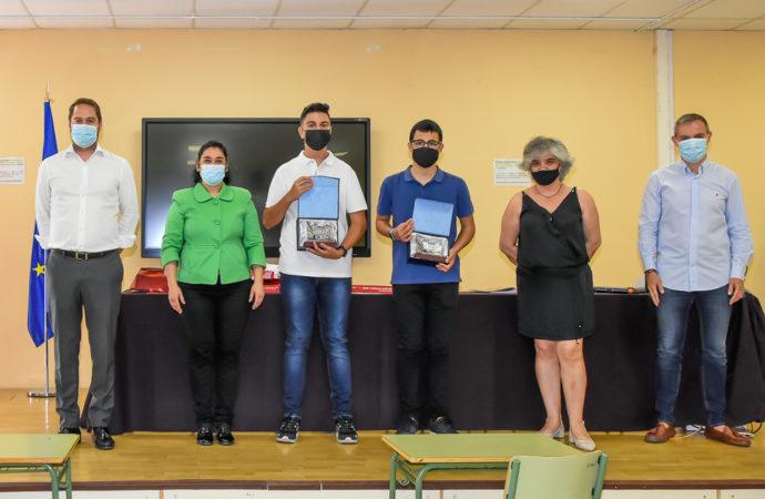 """Dos estudiantes del IES Isaac Peral de Torrejón ganan el Premio Internacional de Naciones Unidas """"Diplomacy Award"""""""