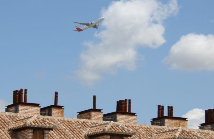 Ruido aviones en San Fernando / La Plataforma contra el Ruido vuelve a recibir el apoyo del Ayuntamiento