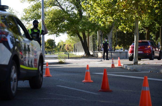 Campaña de la DGT de control de tasa de alcohol y presencia de drogas en conductoresen Alcalá