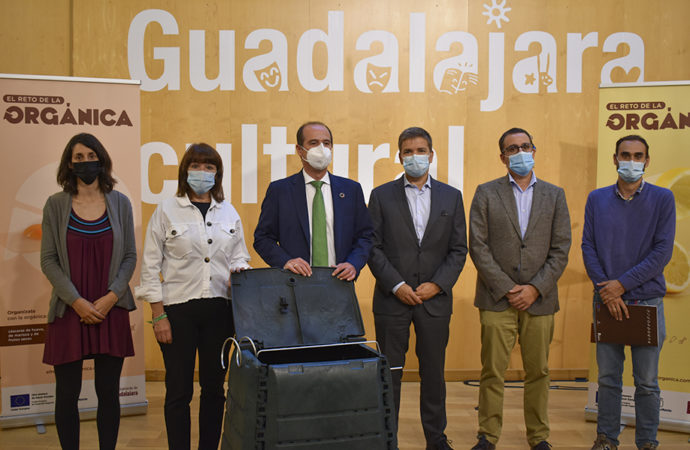 Guadalajara implanta el quinto contenedor («marrón») destinado a la recogida de residuos orgánicos