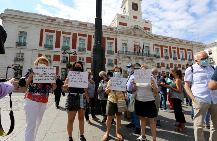 Concentración en Sol de los vecinos de San Fernando de Henares afectados por la línea 7B del Metro