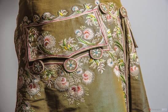 La moda del siglo XVIII, en una exposición en el Centro Cultural Gabriel Celaya de San Fernando de Henares