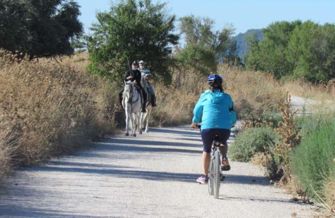 Denuncian el peligro de pasear o hacer deporte entre cazadores entre Alcalá y Camarma