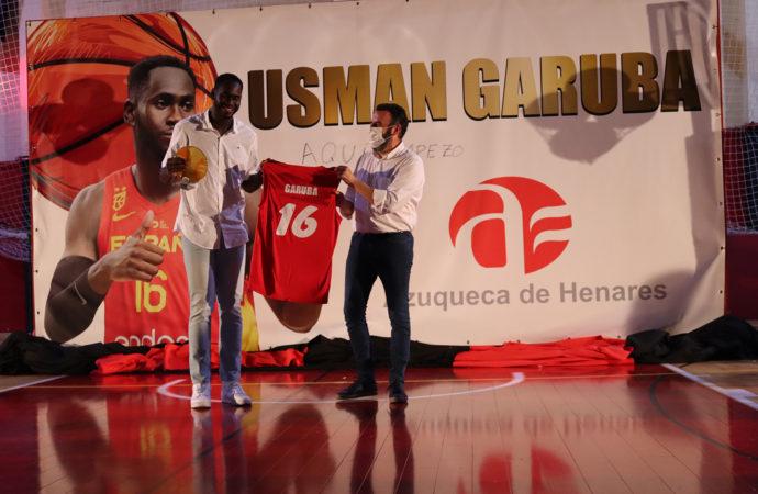 Usman Garuba, del Real Madrid a la NBA, pasando por el homenaje de sus vecinos en Azuqueca