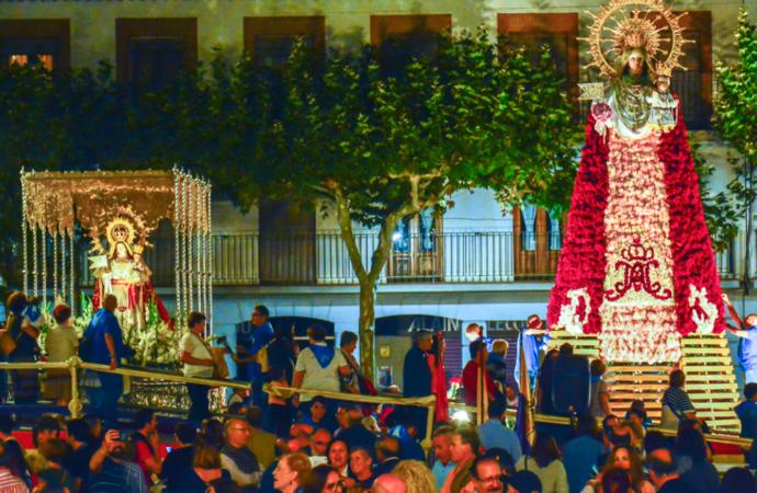 Días grandes en Torrejón este viernes 1 de octubre, con la Ofrenda Floral y el día 3 con la Procesión a la Patrona, la Virgen del Rosario