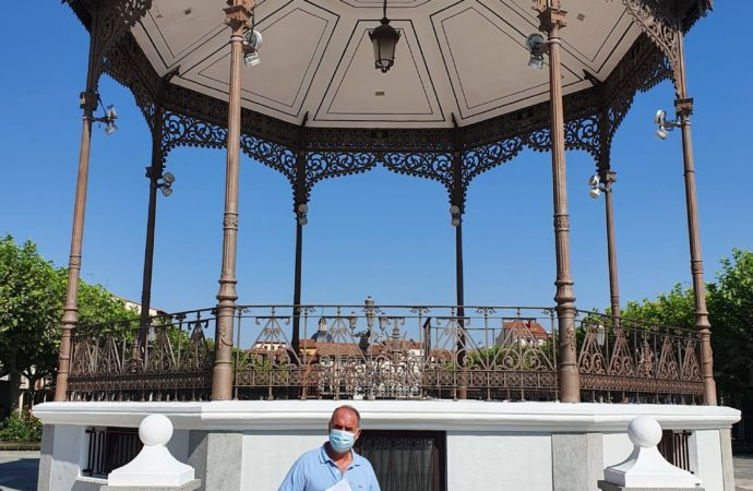 El Ayuntamiento de Alcalá restaura el quiosco de la música de la Plaza de Cervantes