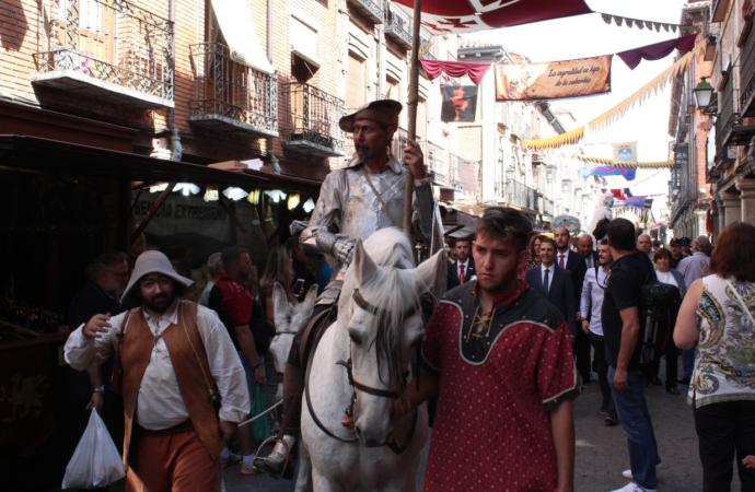 Alcalá de Henares se engalana para homenajear a Cervantes, con numerosas propuestas culturales y el Mercado Cervantino